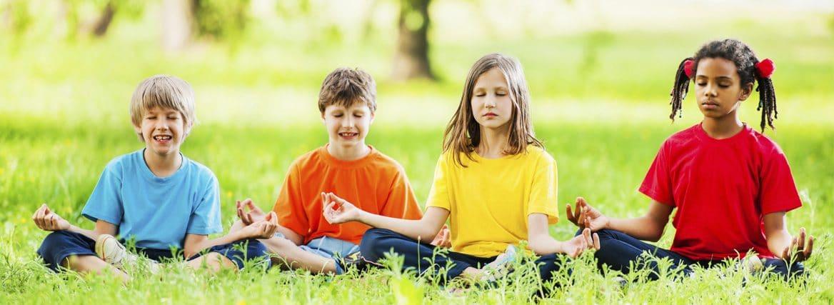 Crianças meditação